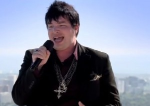 "Jason Brock sings ""Big girls don't cry"" by Fergie in X Factor USA judges houses"
