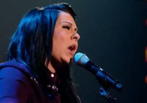 """Lucy Spraggan sings her own song """"Mountains"""" in the X Factor live shows"""